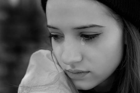 crying girl 3bp.blogspot.com